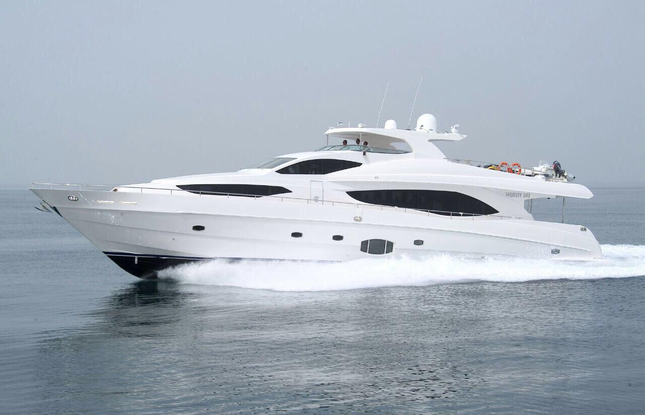 Basic-Etiquettes-to-Follow-at-Yatch-Parties